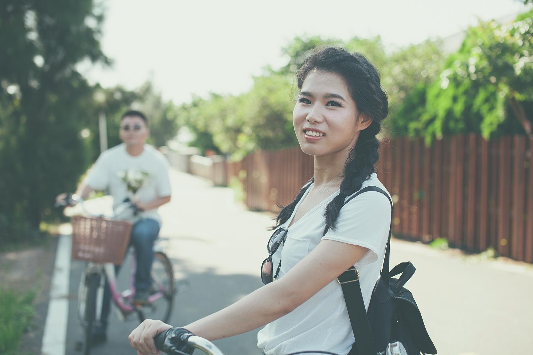 【自助婚紗 擎天崗-淡水】旭峰 & 方蒨 | 自然風格 底片風格